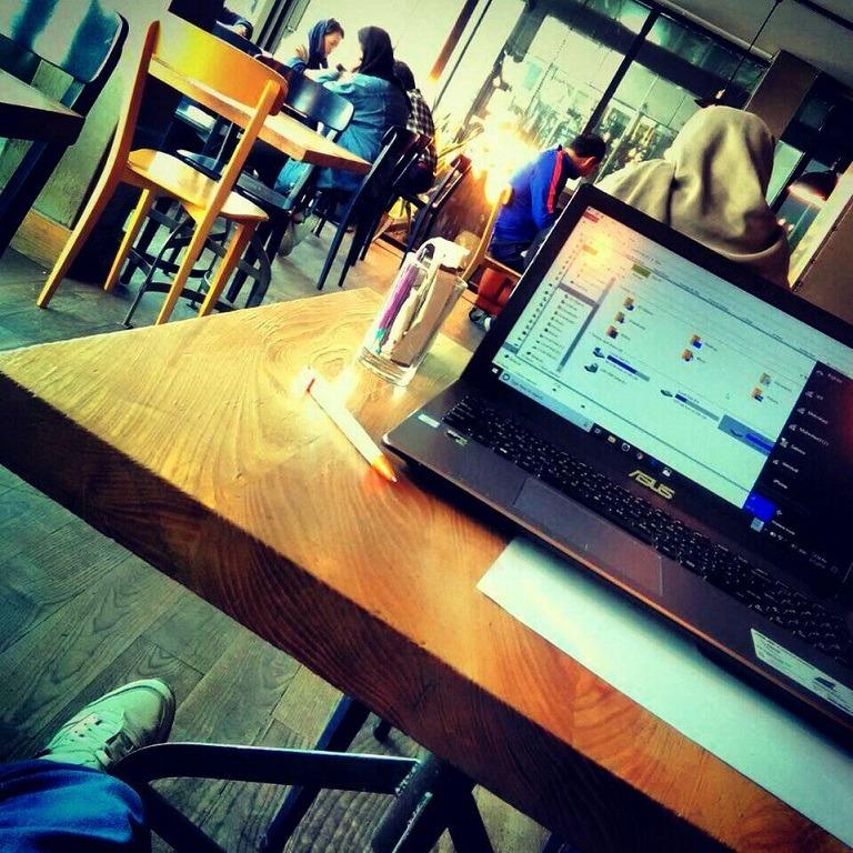 جلسه مشاوره در کافه - مشاوره دوستانه و خوب - کوچ و مربی - مدیریت زمان